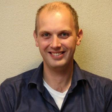 Dr. Paul van der Zwaag