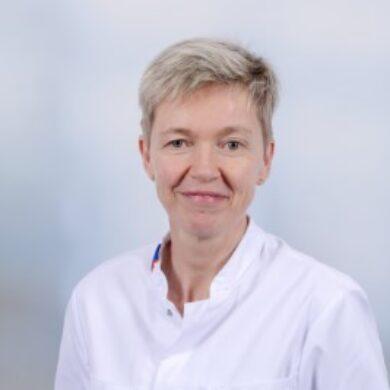 Dr. Dorina van der Kolk