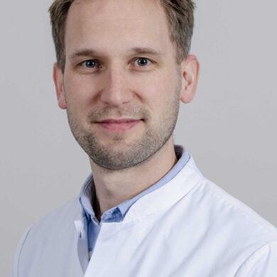 Dr. Bart Mulder